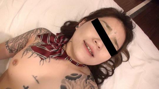 全身タトゥーの彼女に制服を着せてハメちゃいました 麗羽