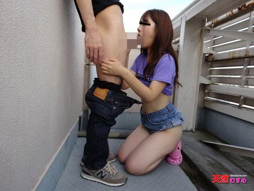 ビルの屋上で初めての露出x青姦 香山広子