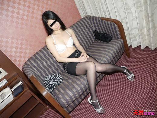 素人ガチナンパ ~道案内してくださいと騙してホテルに連れ込んじゃいました~ 長瀬莉亜