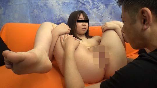 地方では稼げなくて上京してきた娘をハメちゃいました 嵐山里緒奈