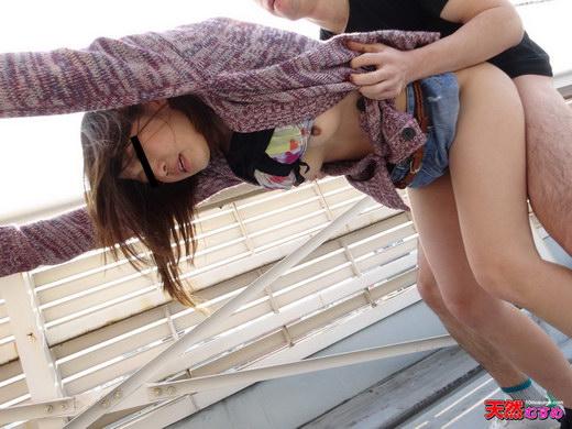 ビルの屋上をオマンコほり出して回遊しました 佐々木まお