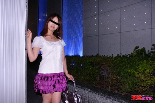 素人ガチナンパ ~バス待ちしてる娘にエッチなバイトのすすめ 椎名沙希