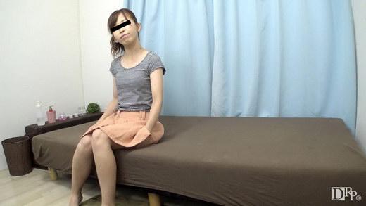 豊胸マッサージで乳首が勃起しちゃいました 友田さや