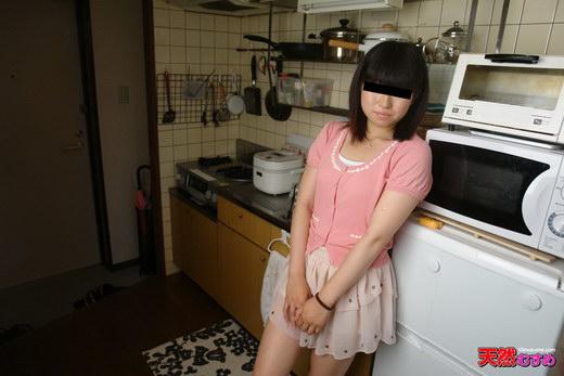 出会い系で知り合った男性と自宅でAV撮影 内田涼子