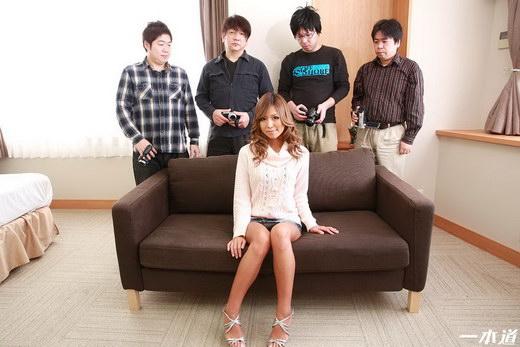沢尻涼子 個人撮影サークルでキモオタおっさん達に生ハメされたキツマン黒ギャル
