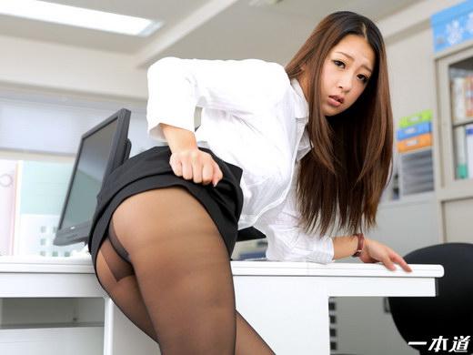 鈴木さとみ 肉便器育成所 ~性欲処理課のノーパン女~