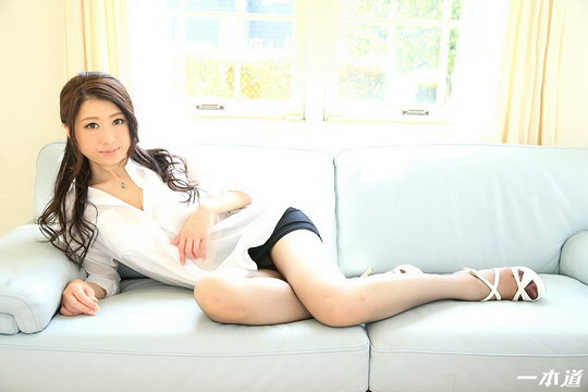 8頭身ノーパンパンスト美女の美脚に魅せられて! 真琴りょう