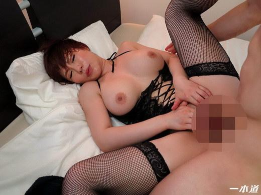 綾乃麗華 グラマー美肌痴女の淫語講座