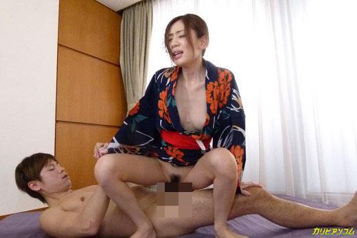 前田かおり 乱れ肌蹴る浴衣撫子
