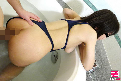 岡山まお【おかやままお】 素人娘にエッチな水着を着せてヤりました!Vol.2