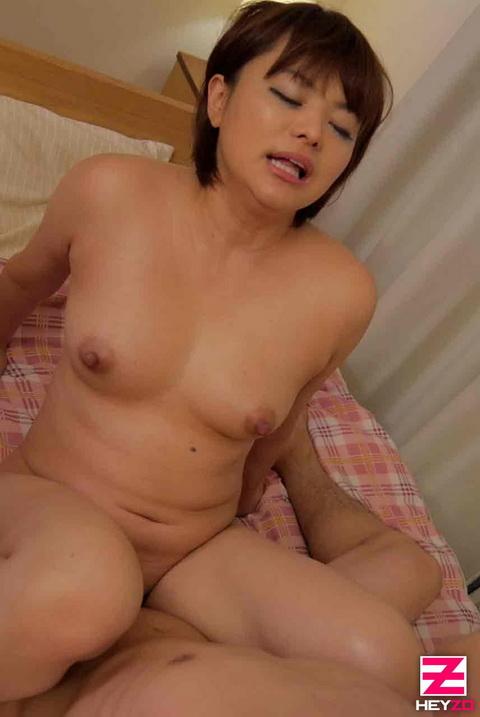 青山未来【あおやまみく】 オナりまくってグチョグチョ!なドすけべ娘と絶頂性交